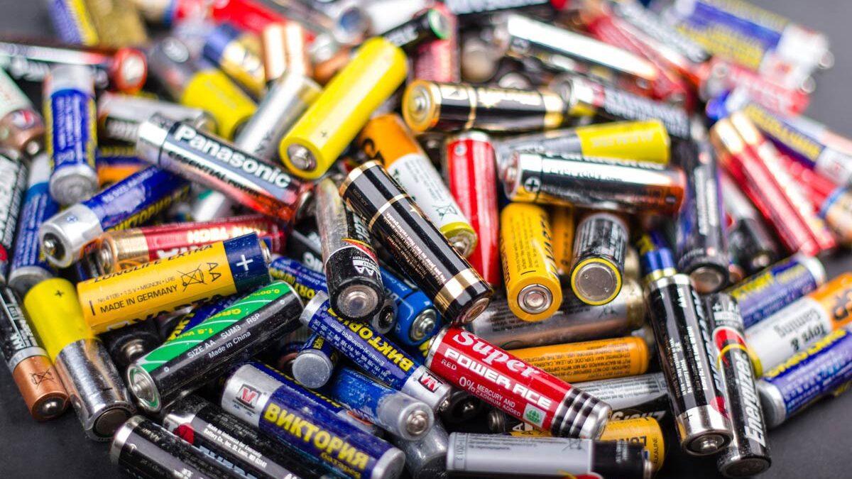 Er batterier omfattet af REACH?